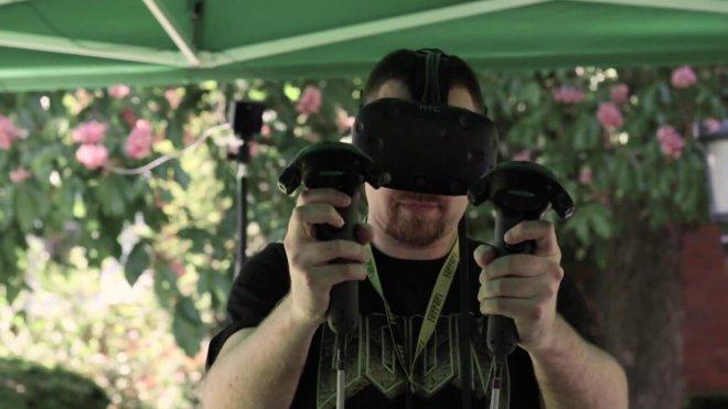 Mojo Apps event man googles VR HTC vive