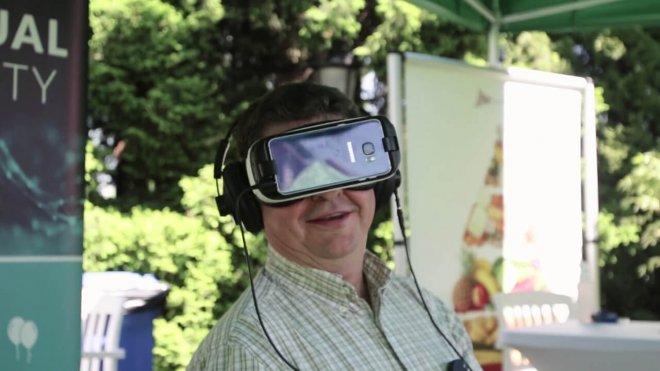 Mojo Apps event man googles VR oculus